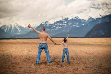 [Obrazek: adventure-child-father.jpg?w=443&h=295]